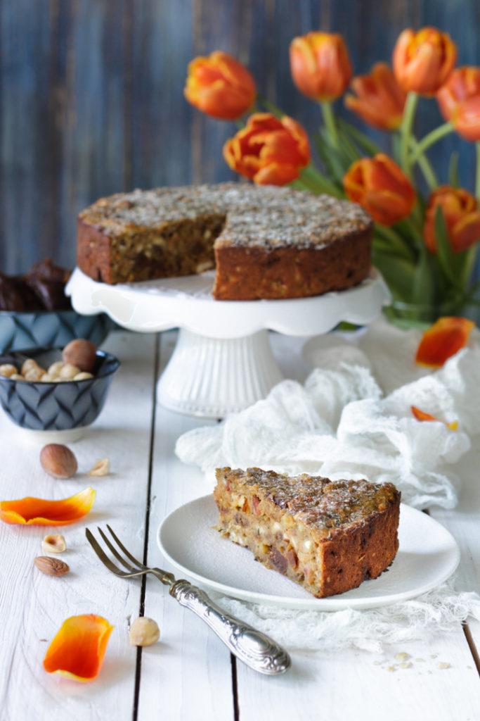 Torta rustica di pane, fichi e zucchero integrale senza lattosio