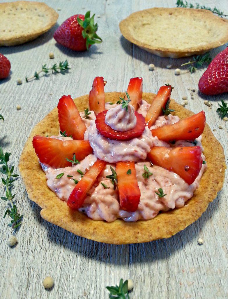 Tortini salati con crema di bresaola e fragole ricetta light