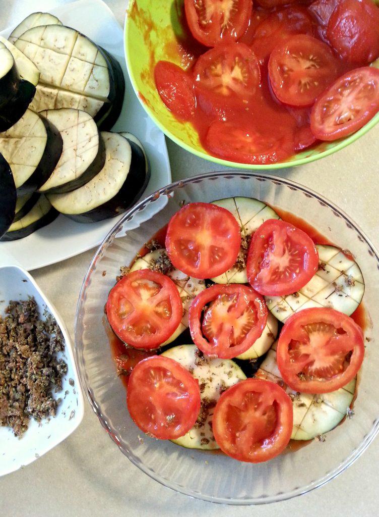 Terrina rustica di pomodoro e melanzane preparazione