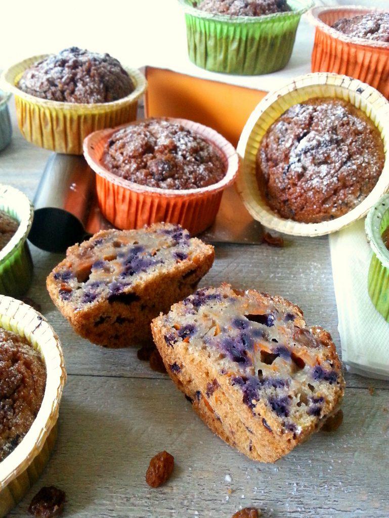 Vegan muffin integrali con uvetta e carota bicolore ricetta facile