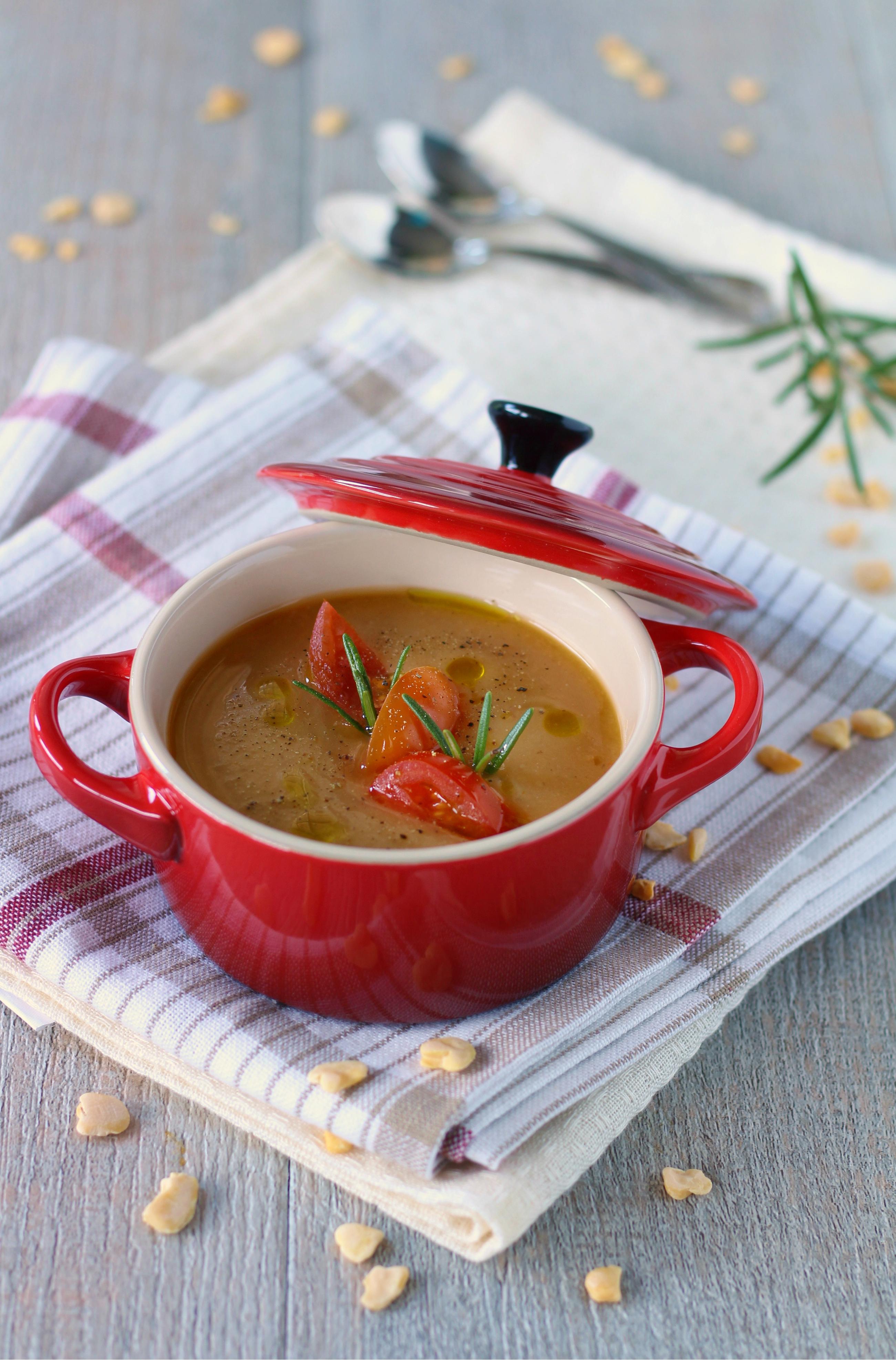 Vellutata di cicerchie e pomodori secchi alla sambuca facile