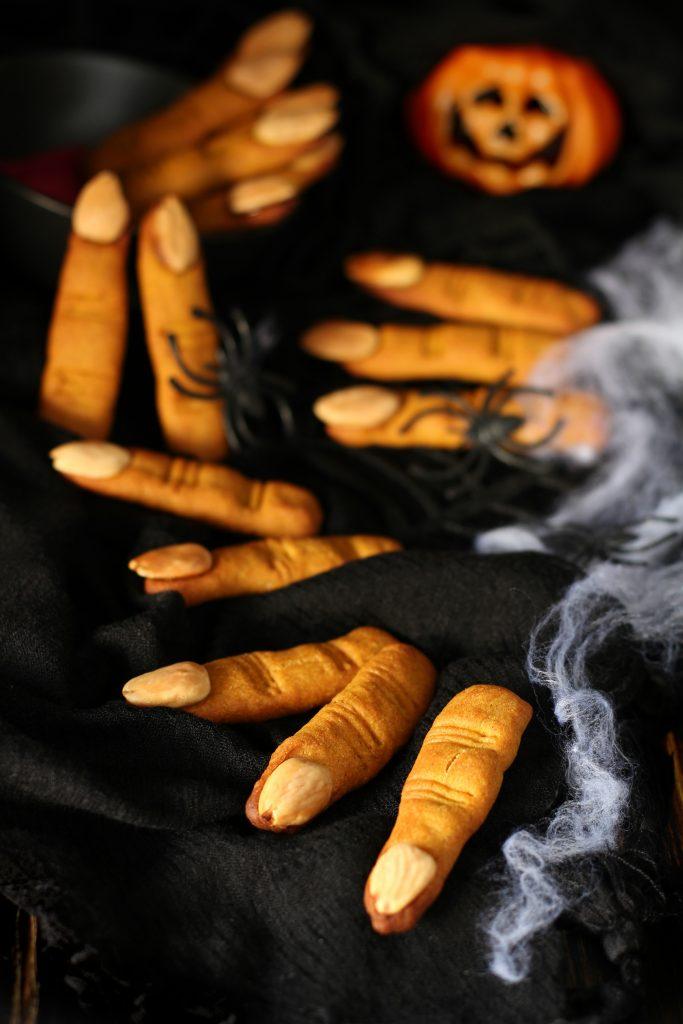 Dita di strega a dieta - ricetta per Halloween senza burro