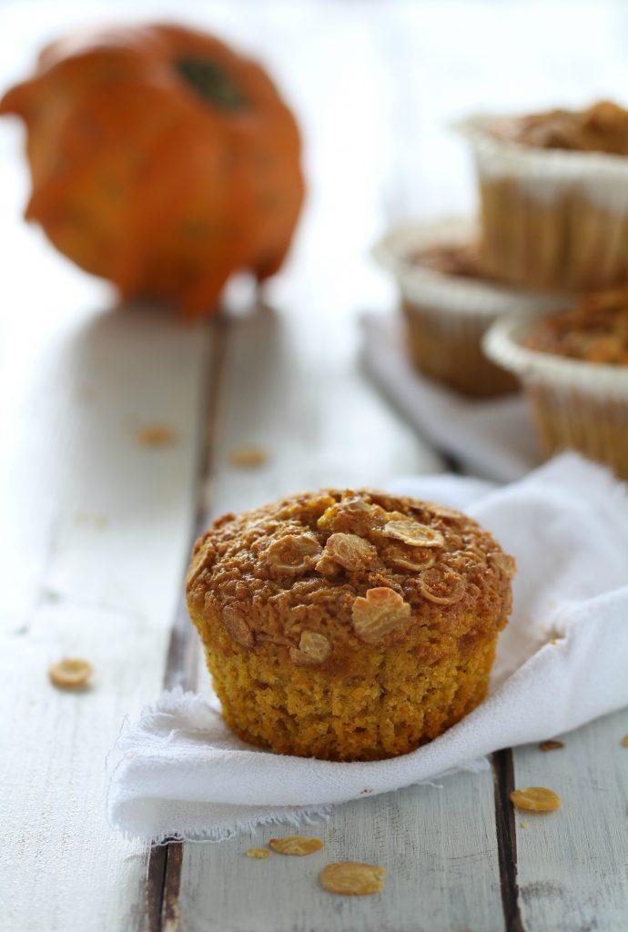 Muffin morbidi alla zucca e fiocchi di soia senza burro