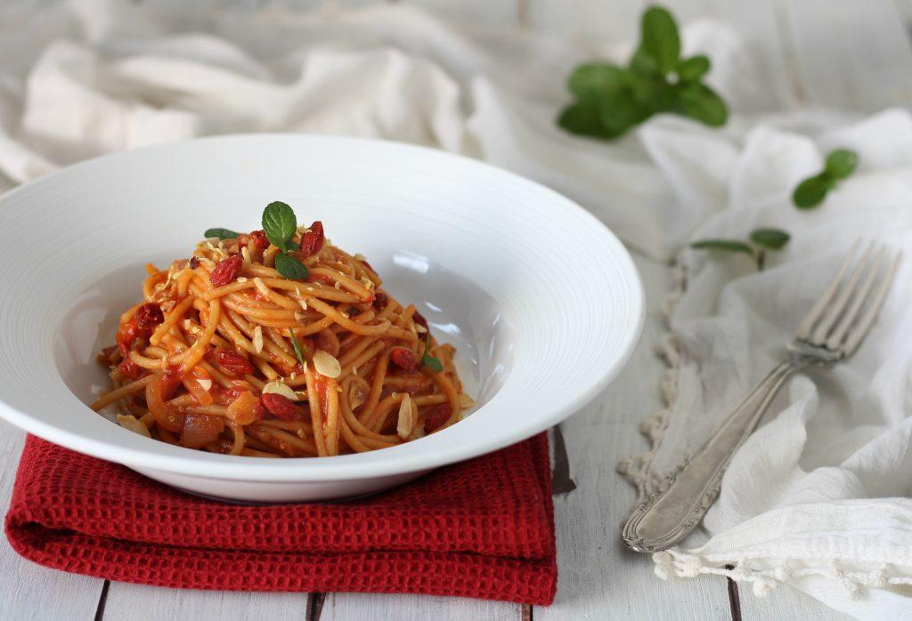 Cinque ricette con protagonista l'olio di oliva extravergine spaghetti aglio olio e peperoncino