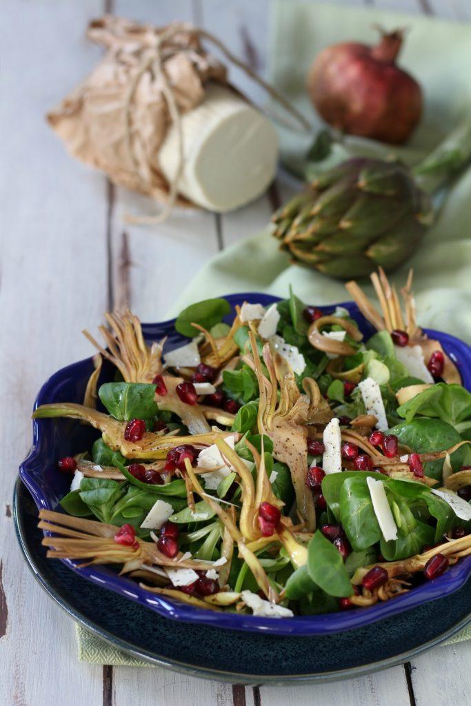 Insalata di carciofi e melagrana con ricotta salata particolare