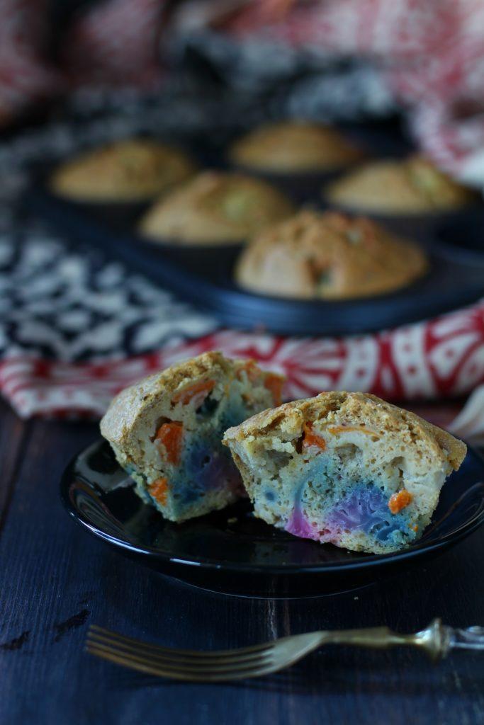 Muffin veg alla farina di ceci e verdure colorate impasto
