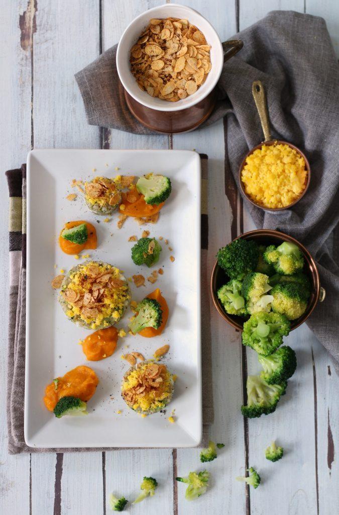 Uovo saraceno ai broccoli con zucca mandorle e grano saraceno
