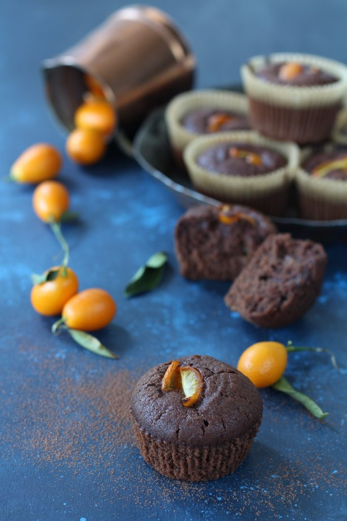 Muffin aquafaba kumquat e cacao amaro vegan