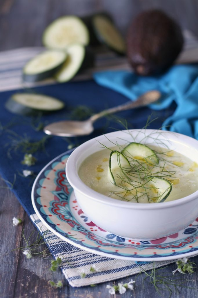 Gazpacho di avocado cetrioli e yogurt greco light