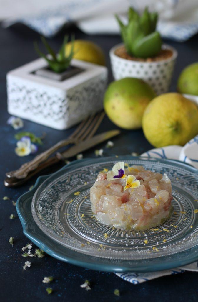 Tartare di branzino con limone e sale al tartufo bianco facile e veloce