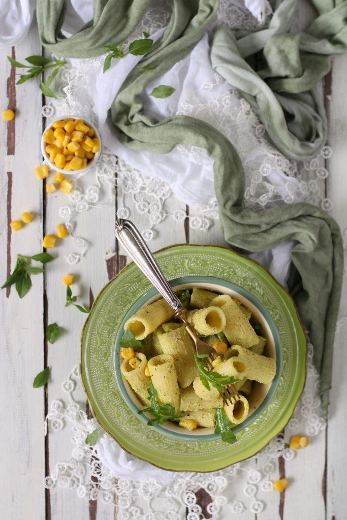 Pasta fredda con pesto di avocado zucchine e mais GRANORO