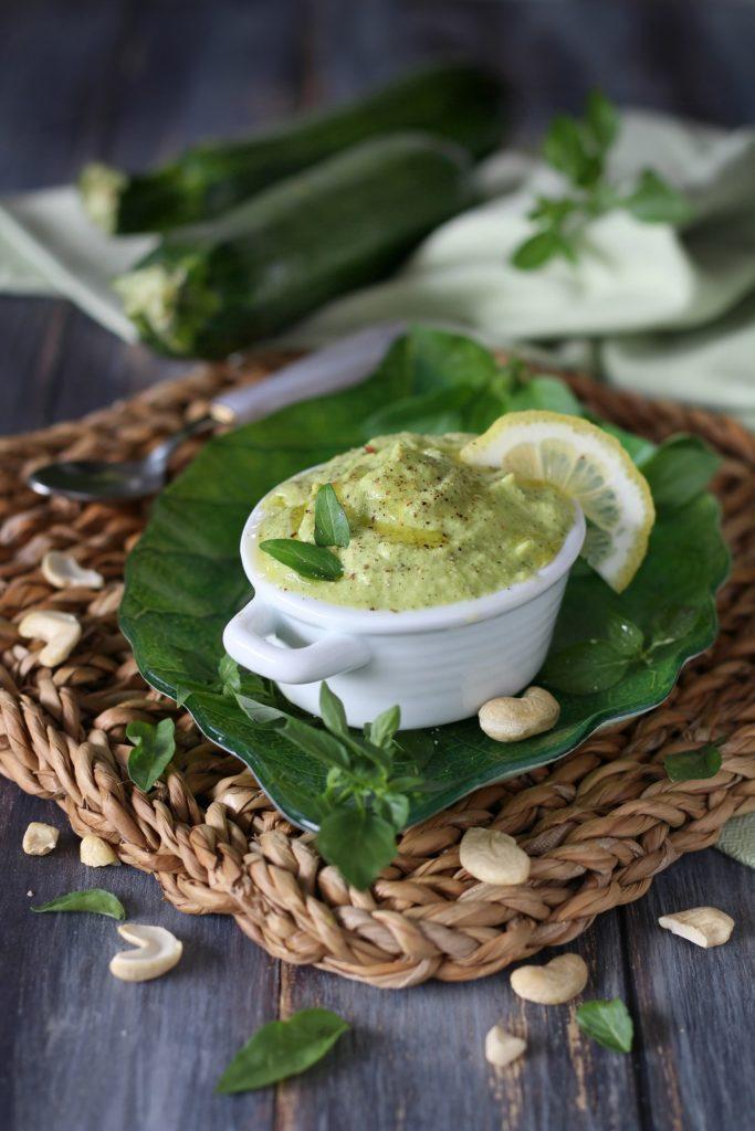 Pesto di avocado anacardi e zucchine Chico Mendes Modena