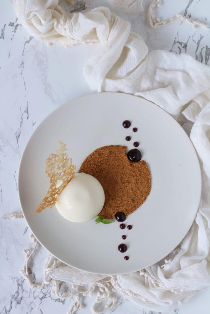 Panna cotta brulè con terra al caffè gourmet