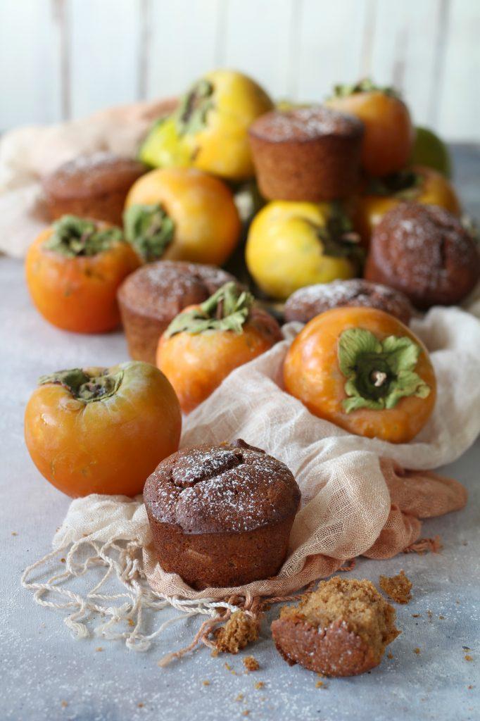 Muffin con cachi frullati e farina di sorgo senza burro
