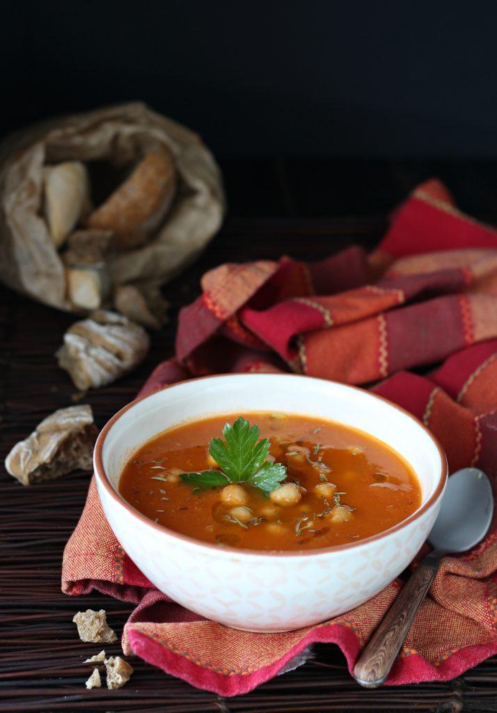 Zuppa di ceci e pomodorini allo zafferano Notedi