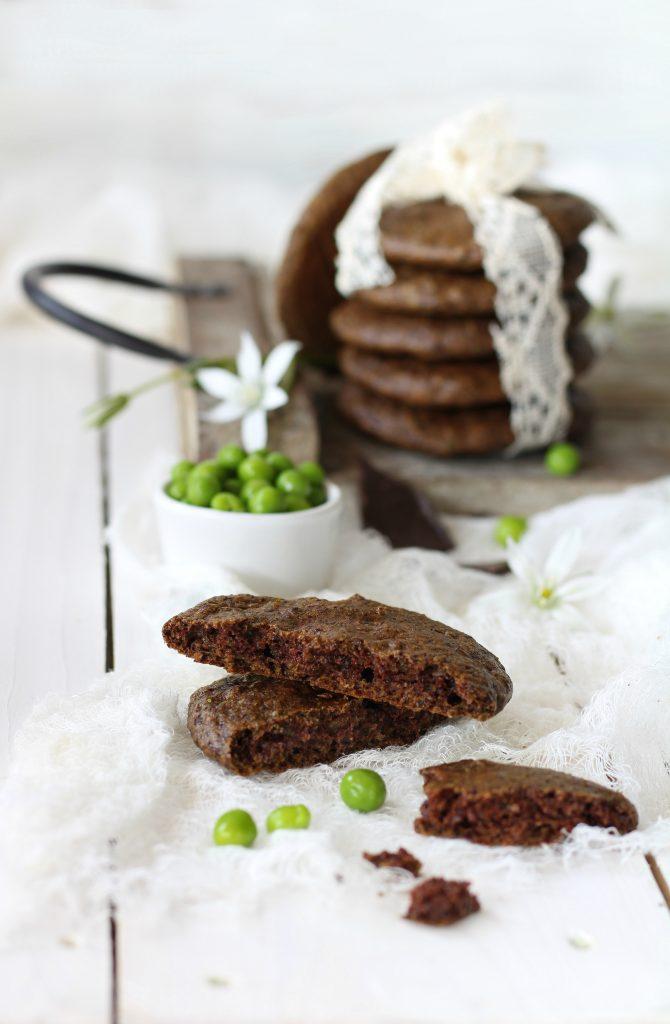 Cookies morbidi ai piselli e cioccolato fondente veloci e facili