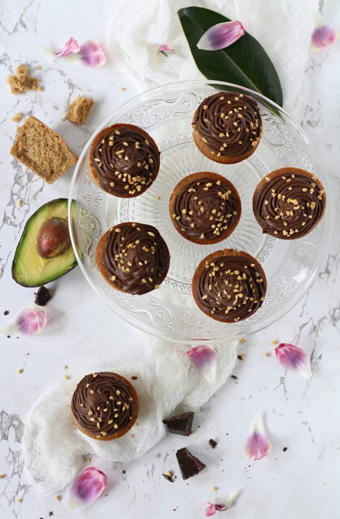Vegan muffin con avocado frosting ricetta facile veloce