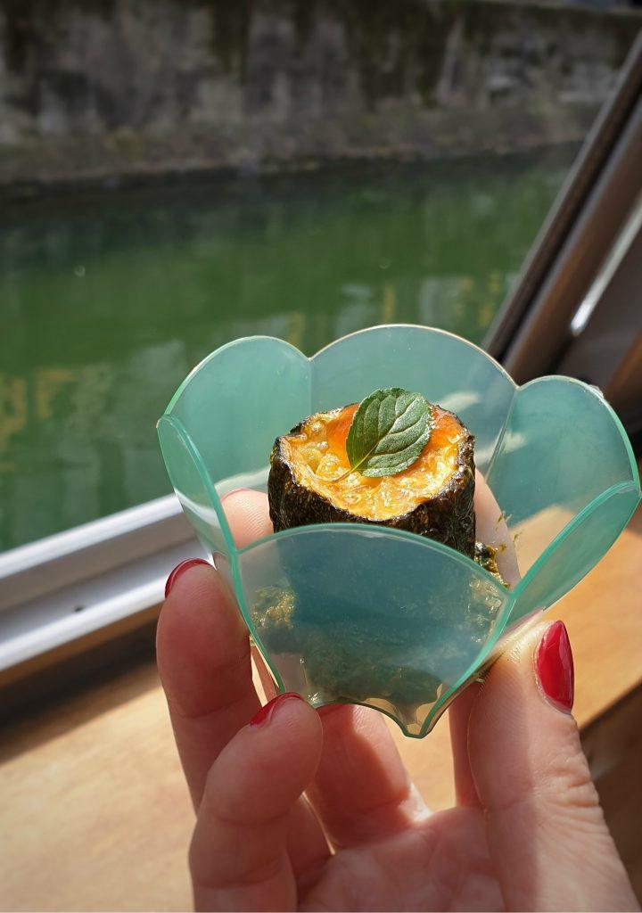 Zucchina in finta scapece con salsa di albicocca e pesto di fiori di zucchina fabiana scarica parco del ticino