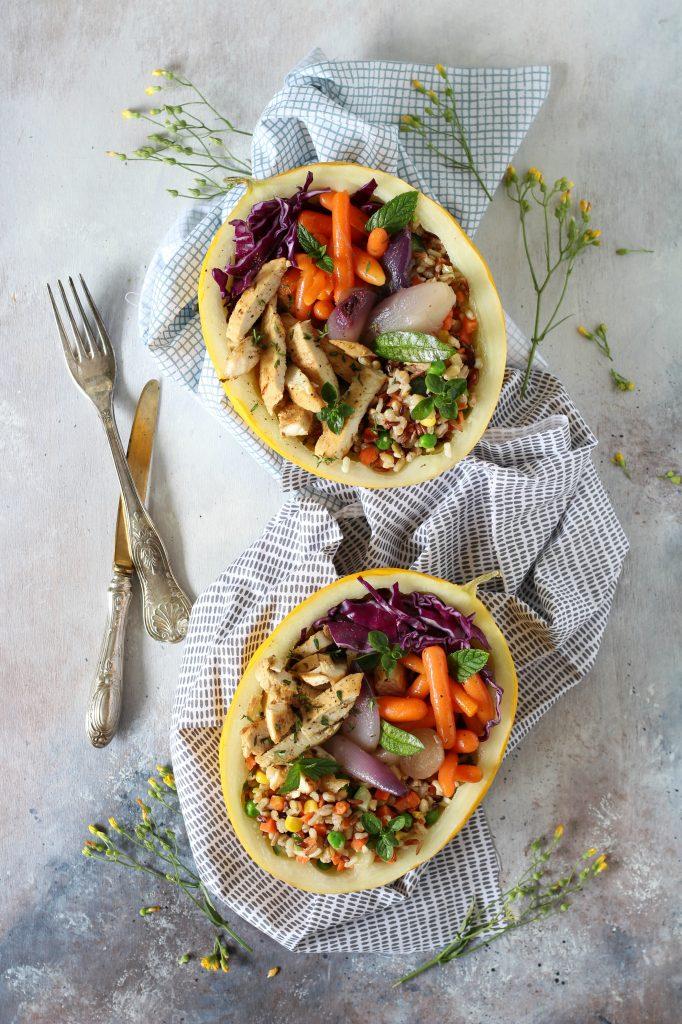 Melone bowl con pollo marinato cereali e verdure ricetta facile light