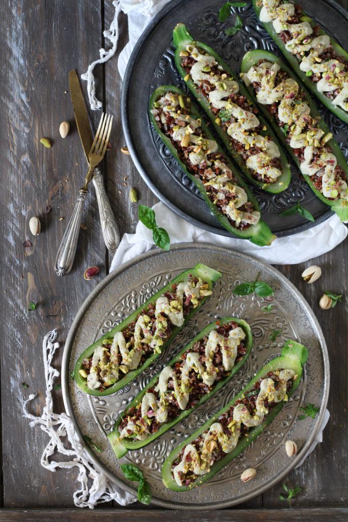 Zucchine cremose ripiene di riso rosso PRONTE PER ESSERE SERVITE