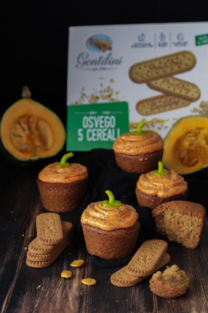 Cupcakes con biscotti Osvego 5 cereali Gentilini e frosting alla zucca