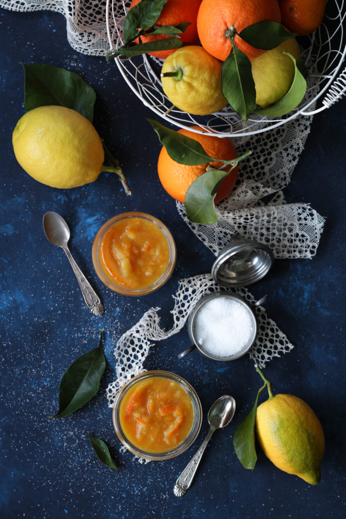 Marmellata di agrumi con polpa e scorza vegan limoni e arance