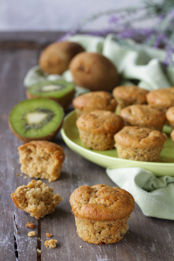 Muffin vegan ai kiwi frullati facili e morbidi