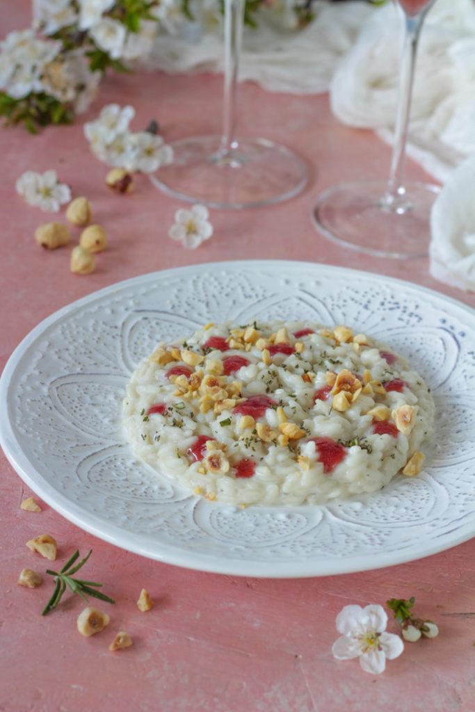 Risotto caprino gelatina al brachetto e nocciole ricetta facile