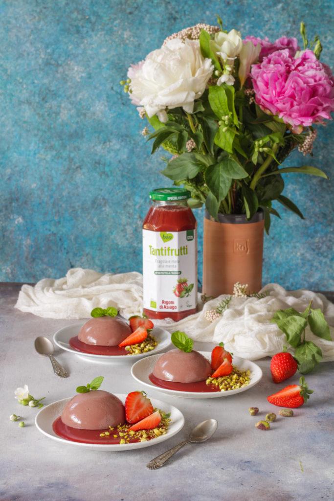 Budino al succo di fragole con agar agar rigoni di asiago