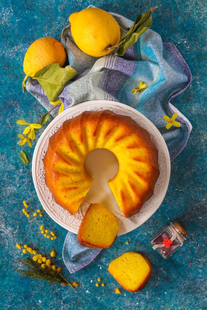 Ciambella yogurt greco limone e zafferano senza uova light