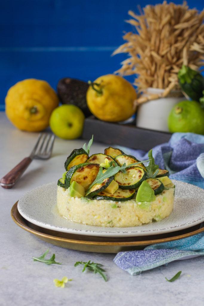 Miglio con avocado lime e zucchine grigliate ricetta vegana