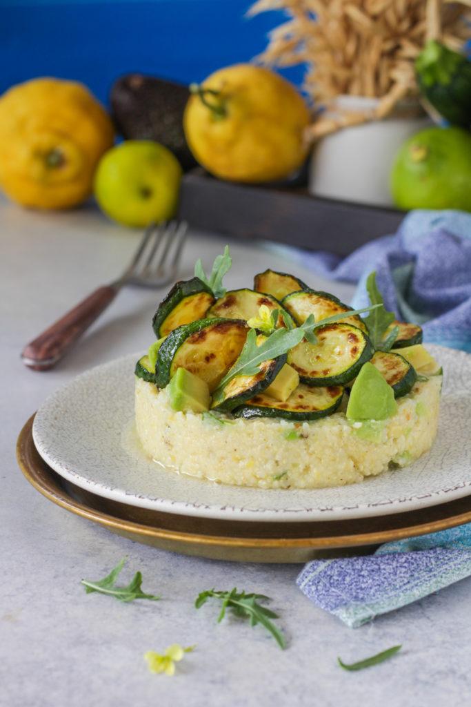Miglio con avocado lime e zucchine grigliate ricetta facile