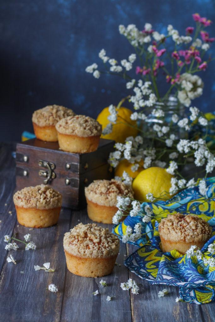 Muffin limone e yogurt con crumble croccante