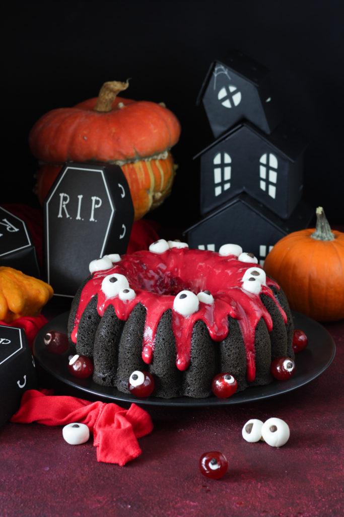 Torta di Halloween con albumi e ribes rosso facile e leggera