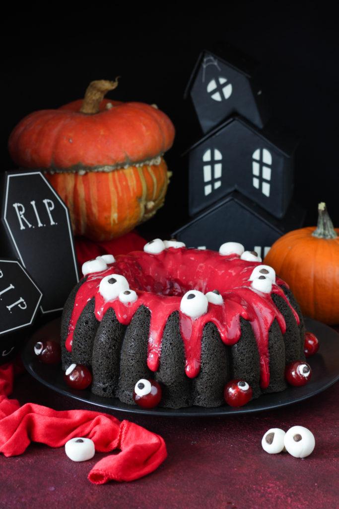 Torta di Halloween con albumi e ribes rosso light