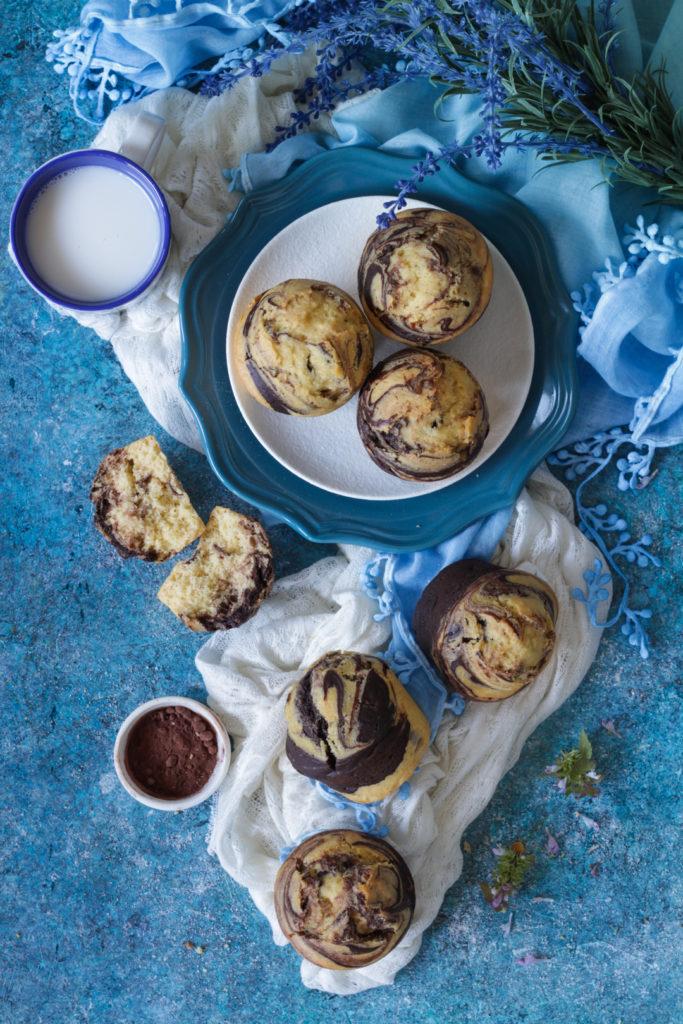 Muffin marmorizzati con vaniglia e cacao senza lattosio veloci