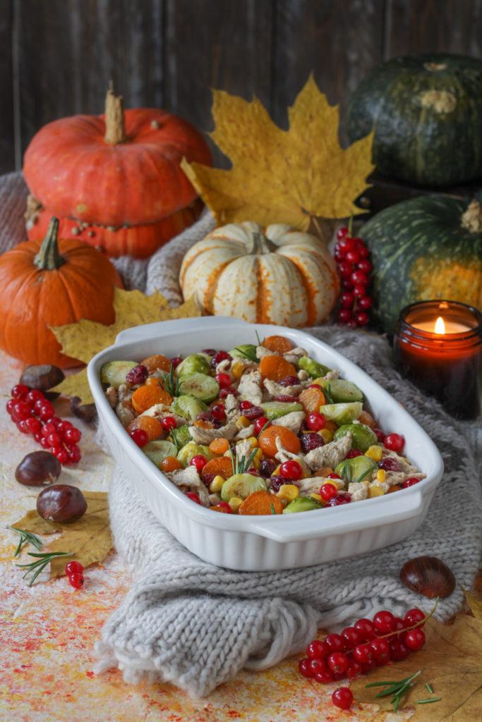 Terrina di tacchino con frutta e verdura autunnale