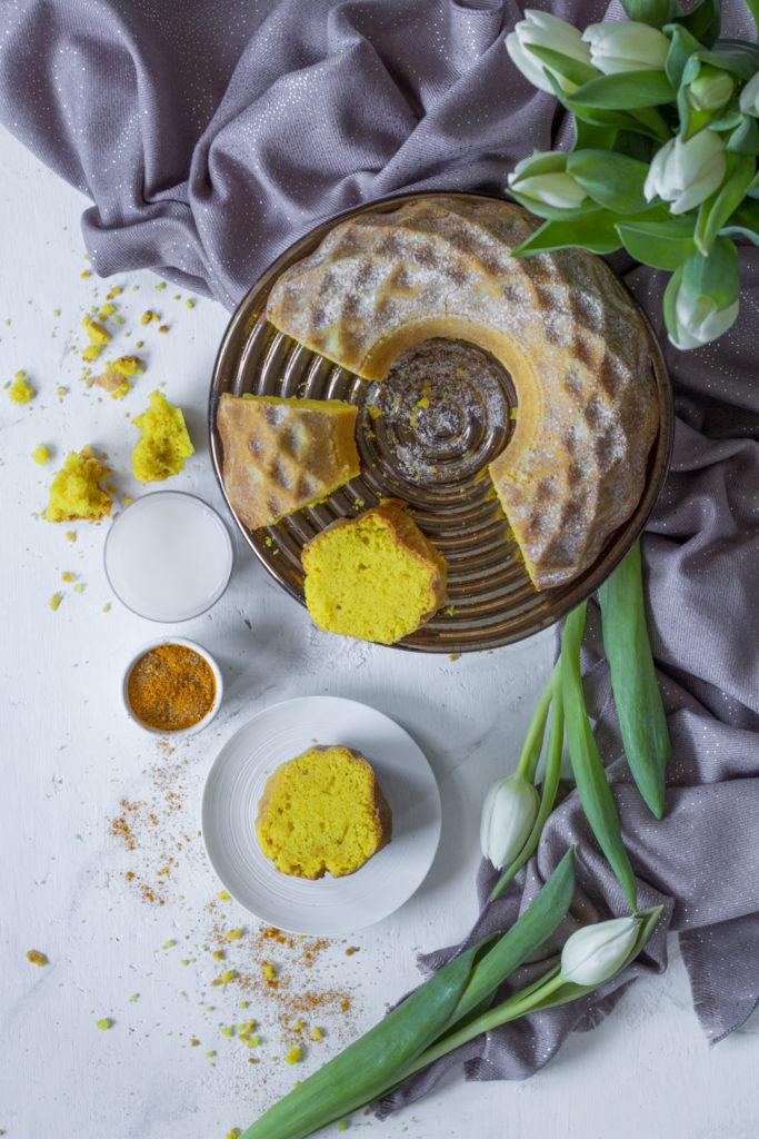 Ciambella veg al golden milk alla curcuma ayurvedica