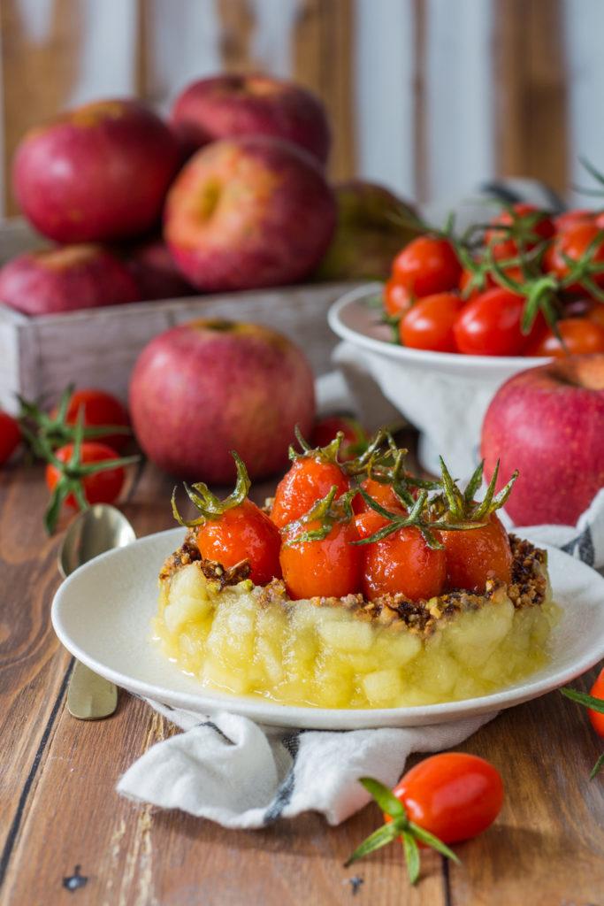 dessert con mele pomodorini e croccante ricetta Cannavacciuolo