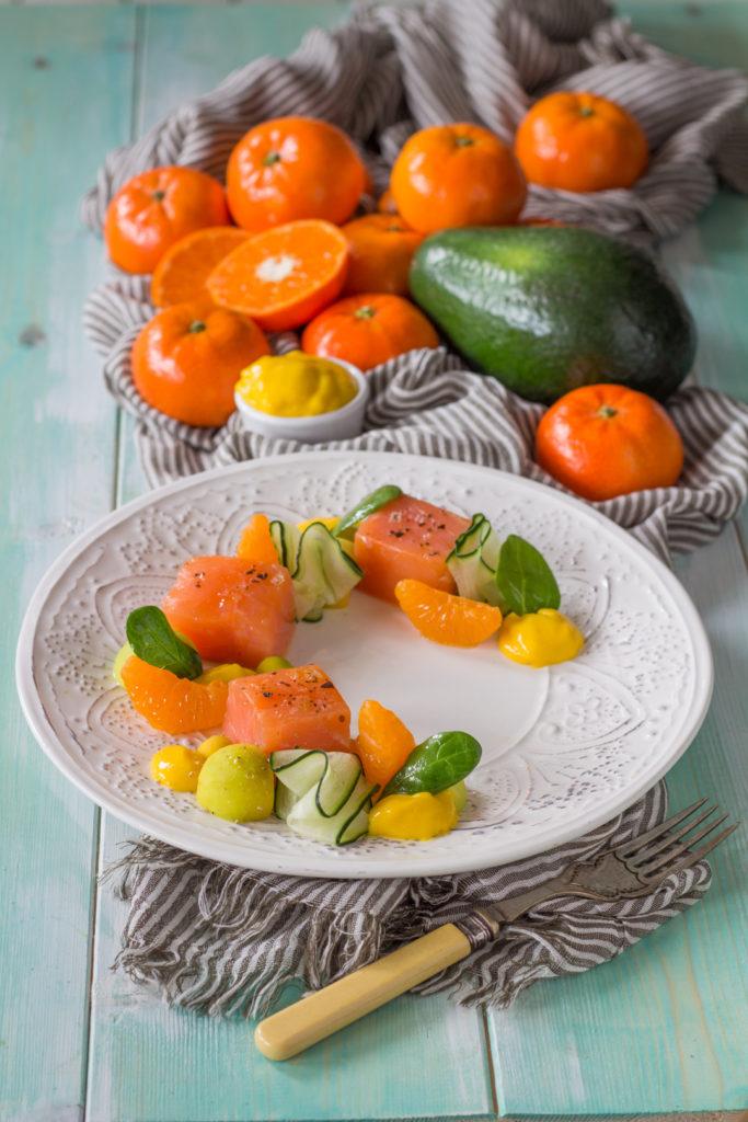 salmone affumicato con mandarino avocado e cetriolo mandarini tango