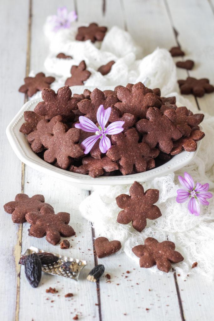 Frollini vegan farro cacao e fava tonka facili e fragranti