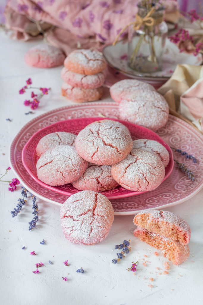 Crinkle cookies con yogurt e barbabietola senza burro