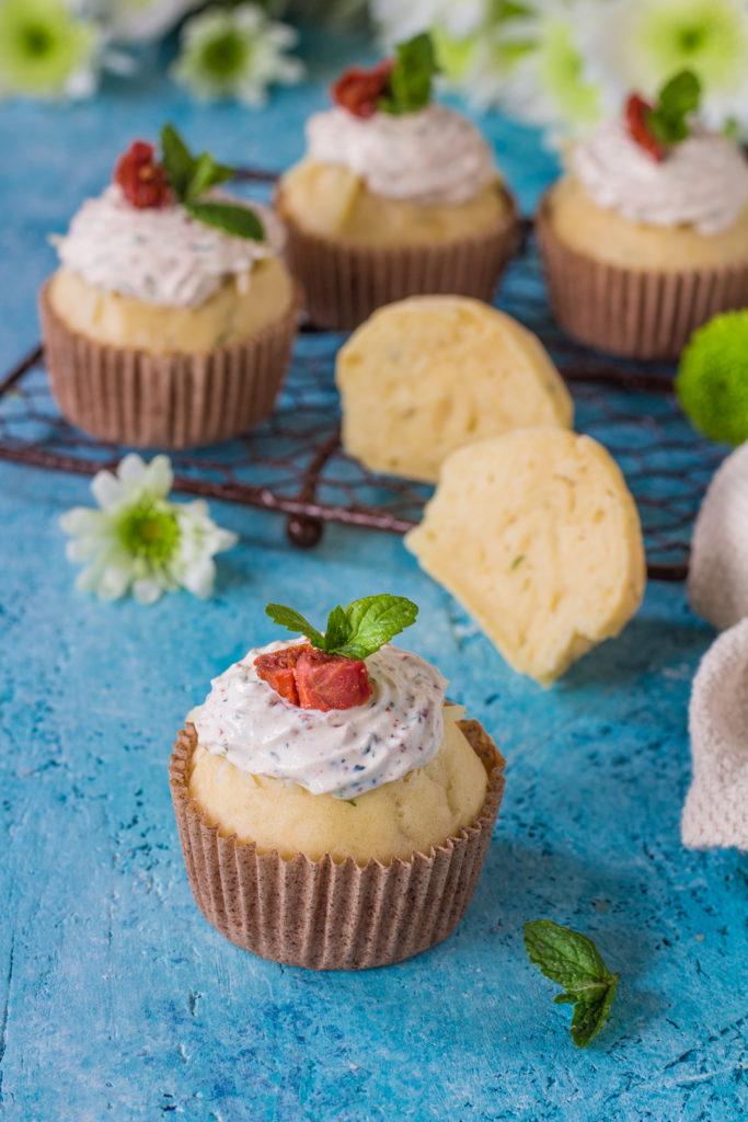 Muffin salati alla creme fraiche con erbe aromatiche