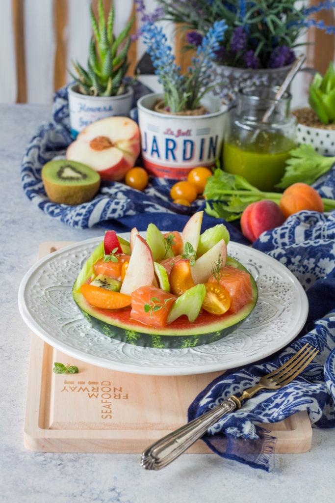 Salmone norvegese marinato con macedonia di frutta e verdura antipasto estivo norwegian seafood council